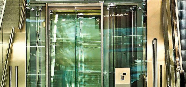 Que comprend un contrat de maintenance d'ascenseur ?